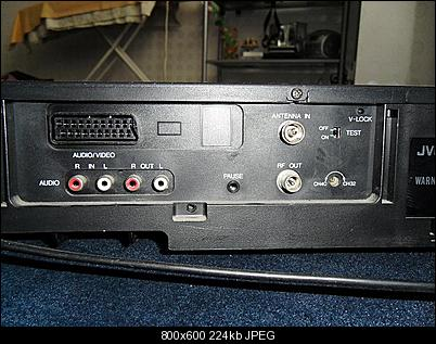 how to connect vcr to laptop